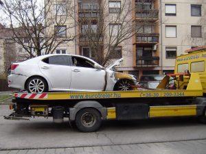 Lexus mentés mélygarázsból